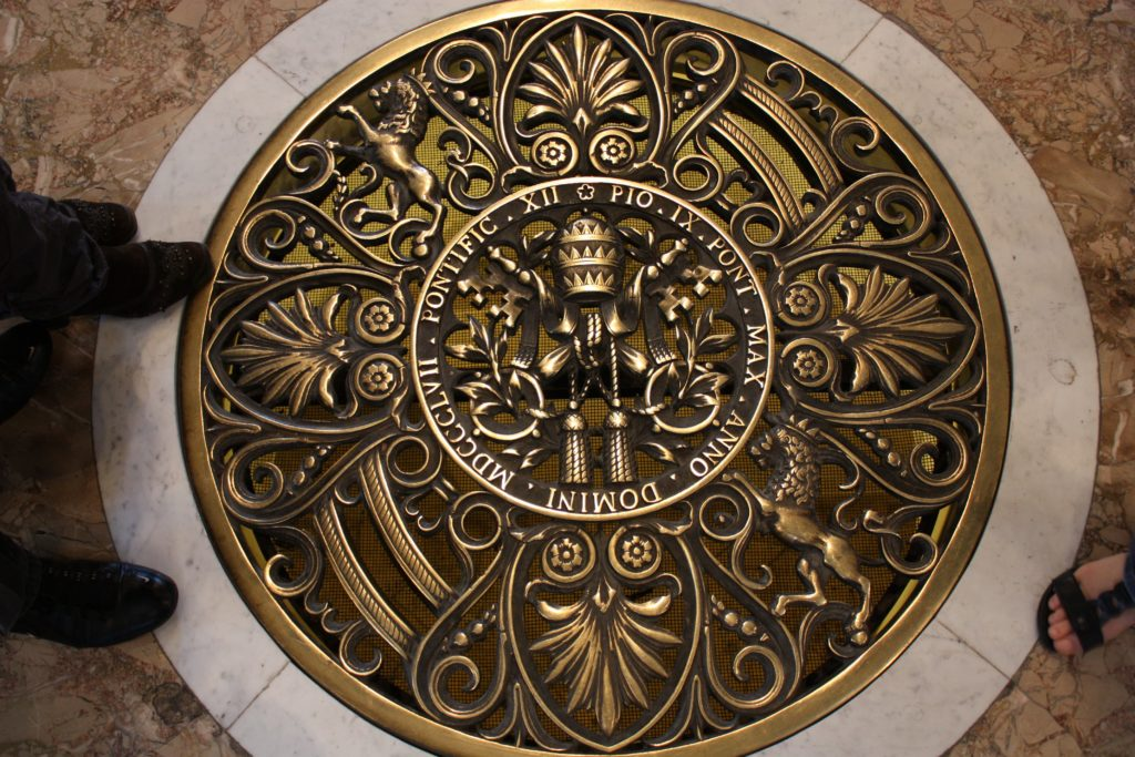 люк герб Ватикан